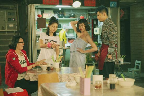 《辣妹甜心》体验式青春互换 奇幻校园喜剧来袭