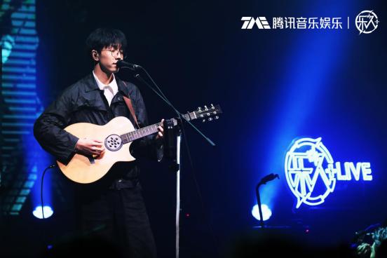 陈鸿宇巡演上海开唱 三十而立不