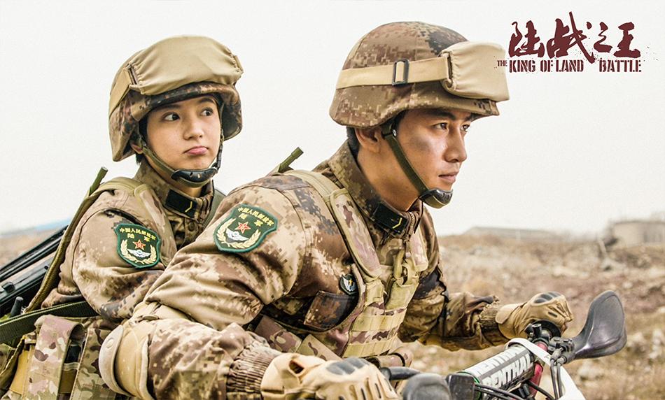 两代军人共同成长 《陆战之王》战友情感人