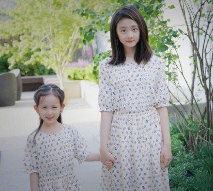 黄磊分享女儿日常趣事 多多写难辨字为妹妹树榜样