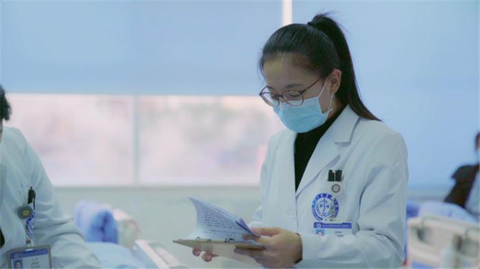 纪录片《西藏医事》离天空最近的生命故事